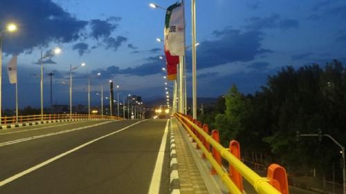 تقاطع غیرهمسطح خیابان آخونی با خیابان شهیدان ذاکر (1)