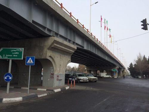 تقاطع غیرهمسطح خیابان آخونی با خیابان شهیدان ذاکر (4)